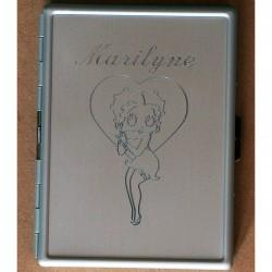 Boîte à cigarettes en métal