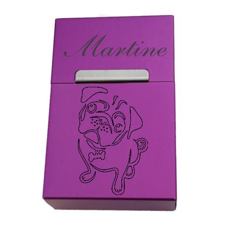 Boîte à cigarettes couleur en métal